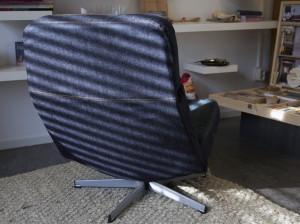 herstoffering tv-stoel vintage oude jeans achter