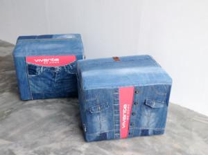 set unieke poefen jeans en vivante logo