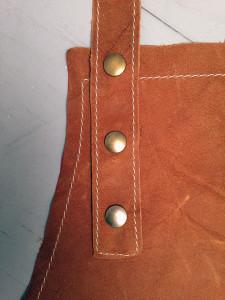 detail-soepel leren schort-verstelbare nekband