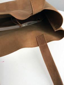 detail binnenkant tas met ritsvak